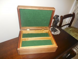 Susannah's Jewlery Box Internals